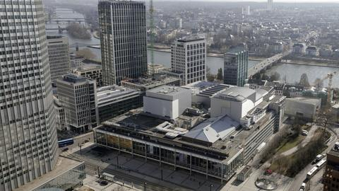 Blick auf die Städtischen Bühnen Frankfurt