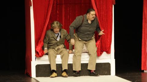 """Neues Theaterstück """"Loch im Kopp"""" (Autor Wolfgang Deichsel, Regisseur Michael von Loefen) der Volksbühne Bad Homburg am 30.05.2011 im Kurtheater in Bad Homburg aufgeführt."""
