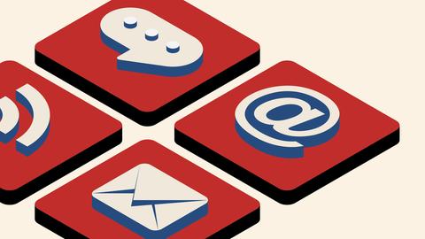 Tastatur mit Sprechblase, @-Zeichen, RSS-Symbol und Briefumschlag