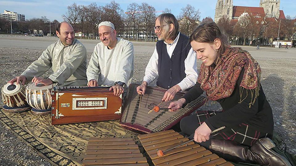 "Szenenfoto ""Embryo - A Journey of Music and Peace"""