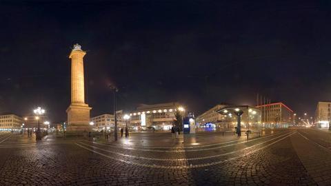 Nächtlicher Luisenplatz mit Ludwigsmonument in Darmstadt