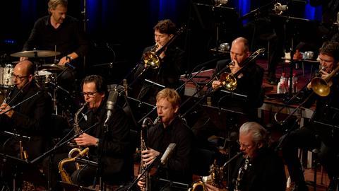 """ The Distance"" - Michael Formanek's Ensemble Kolossus feat. hr-Bigband - hr-Bigband"