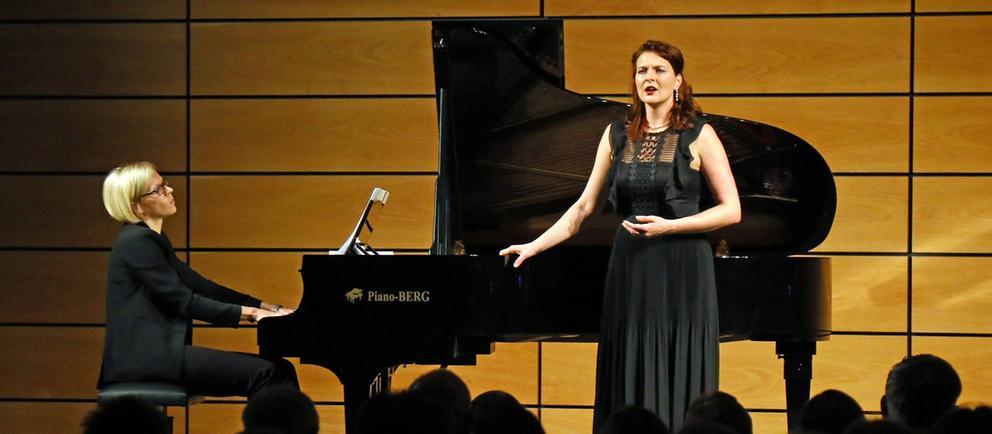 Die Mezzosopranistin Sylvia Rena Ziegler und die Pianistin Friederike Wiesner
